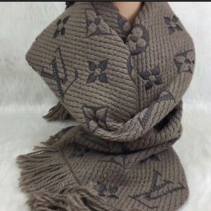 Louis Vuitton Gray Scarf